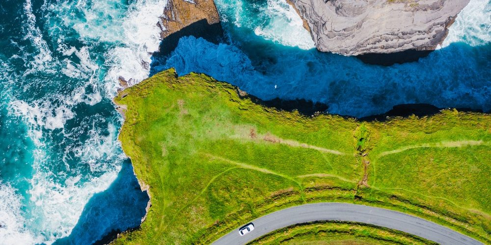 Top-down,Aerial,View,Over,The,Irish,Rugged,Coastline,At,Kilkee